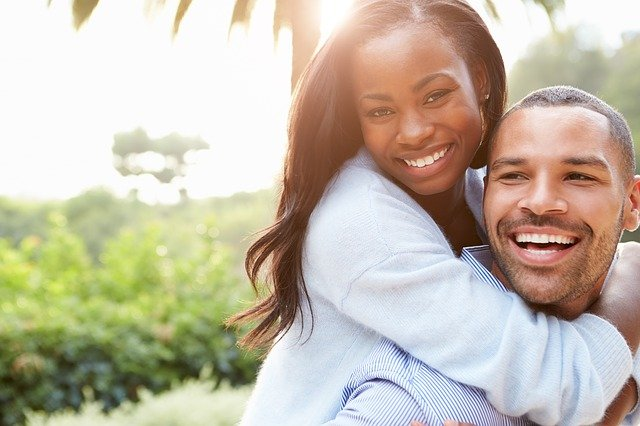 How can your cosmetic dentist in Libertyville give you a smile makeover?